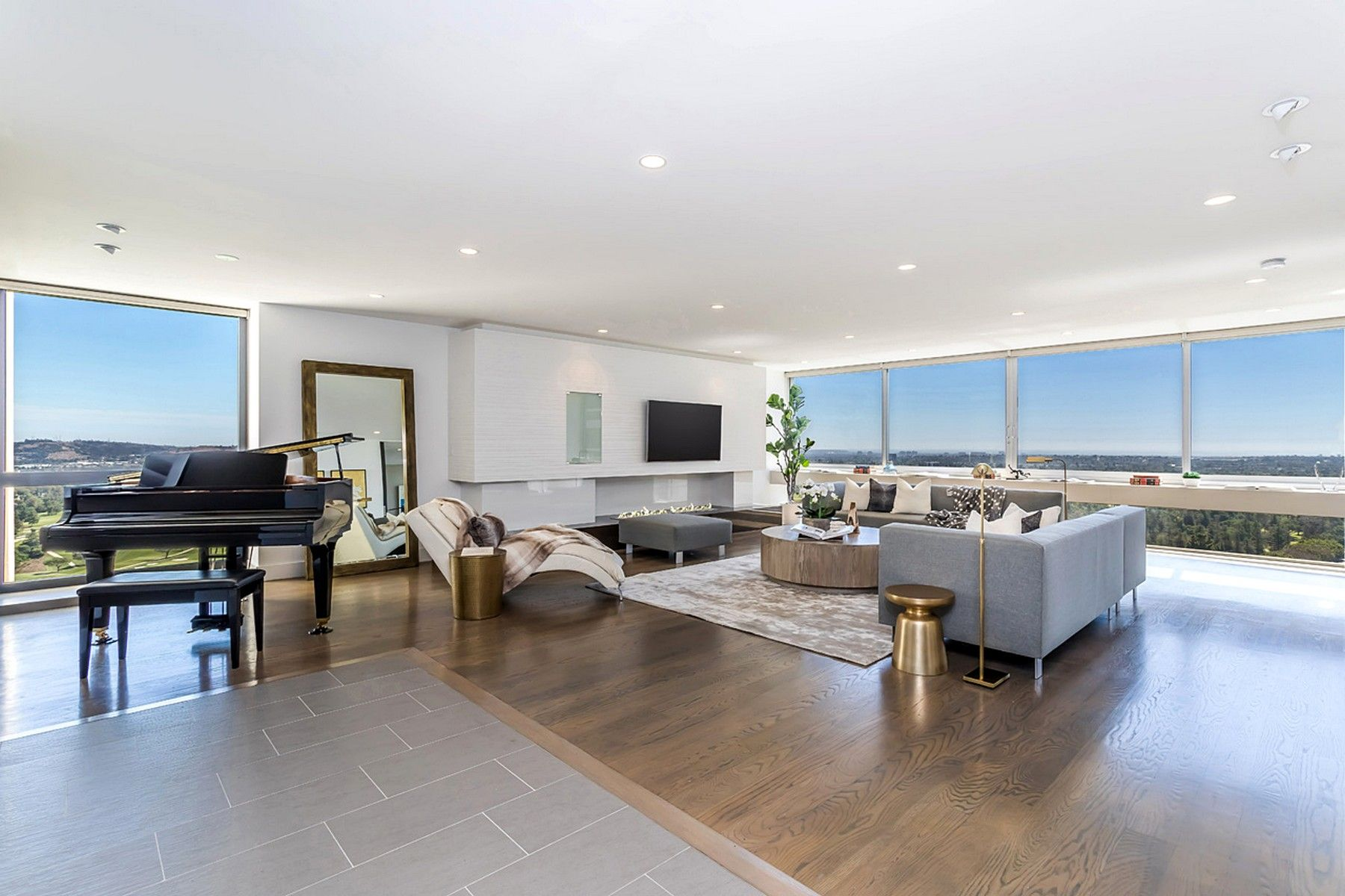 Condominium for sale in 2222 Avenue Of The Stars Unit 1902, Los Angeles, California ,90067