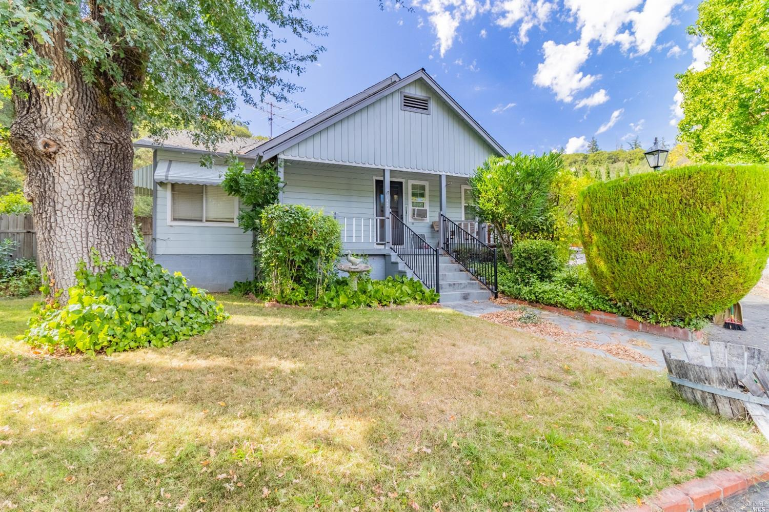 Residential For Sale in 13240 South Highway 101 Highway, Hopland, California ,95449