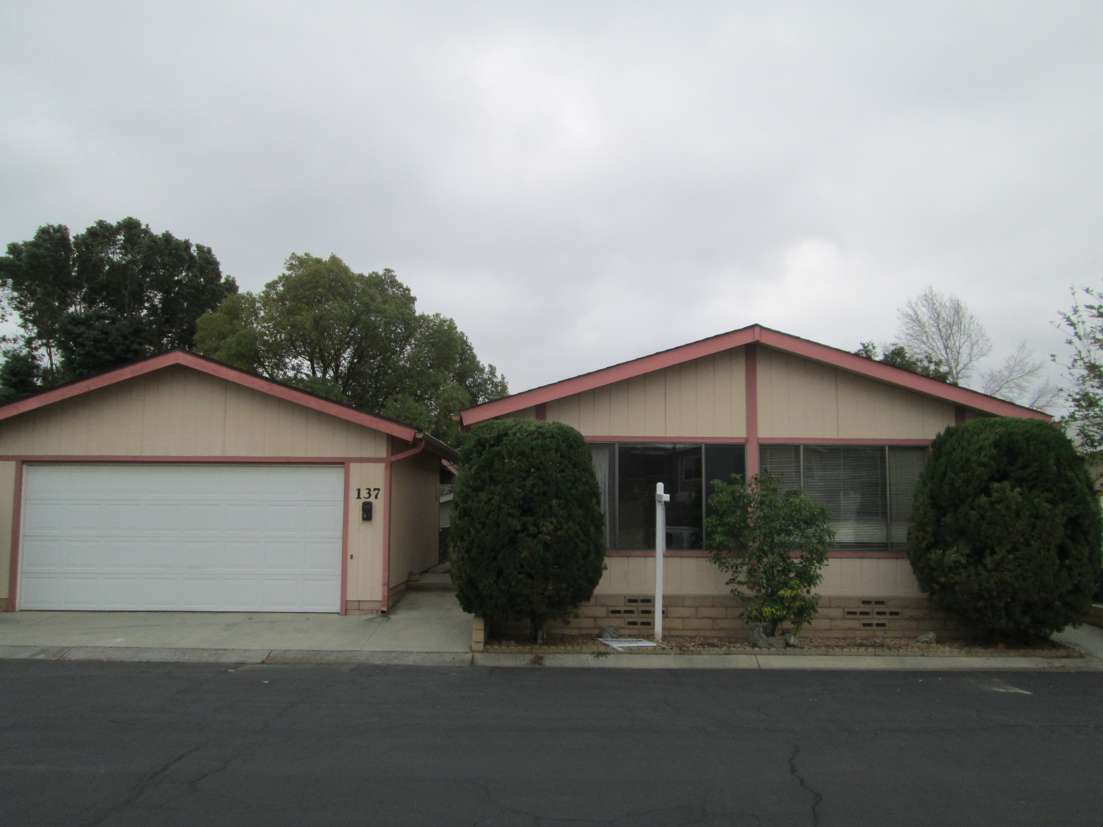 Manufactured/Mobile for sale in 3800 W. Wilson #137, Banning, California ,92220
