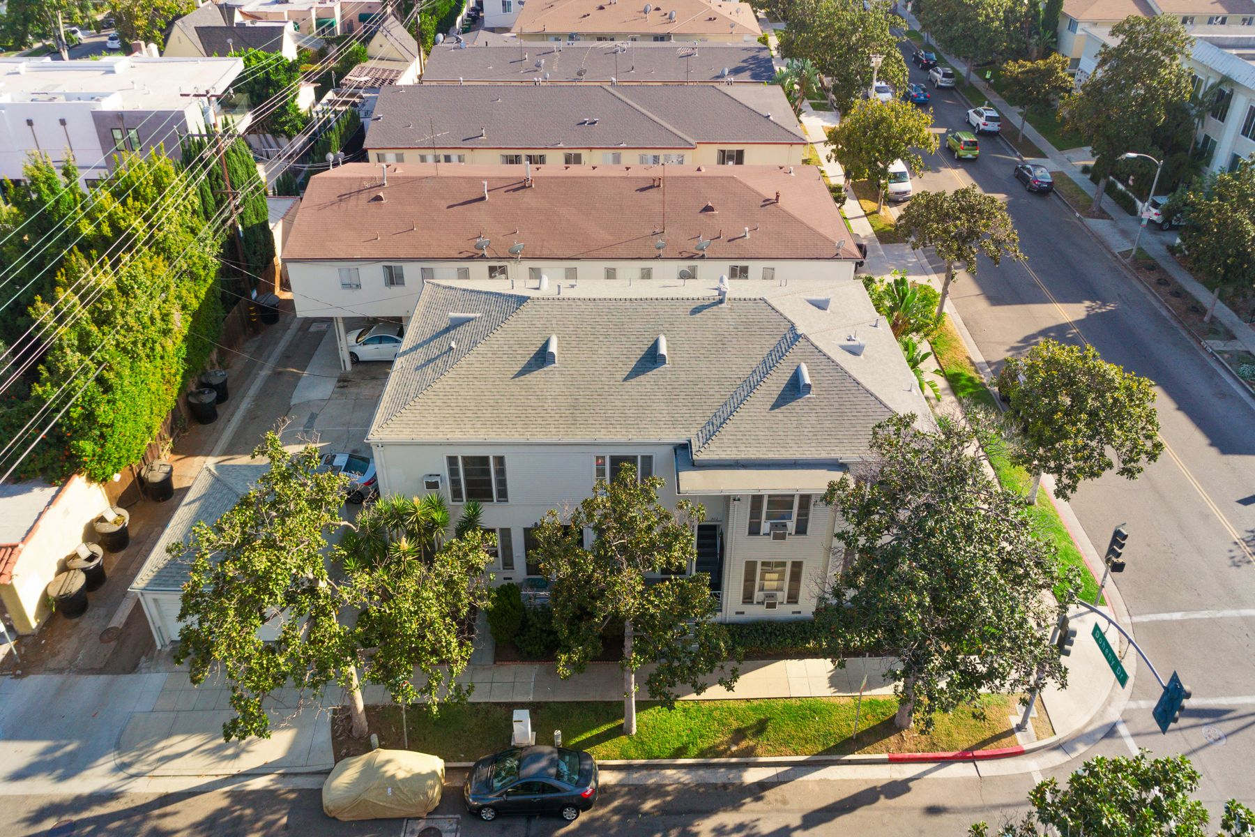 Multi-Family for sale in 300 South Doheny Drive, Beverly Hills, California ,90211