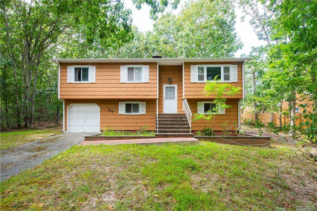 Residential For Sale in 2347 Noyac Road, Sag Harbor, NY ,11963