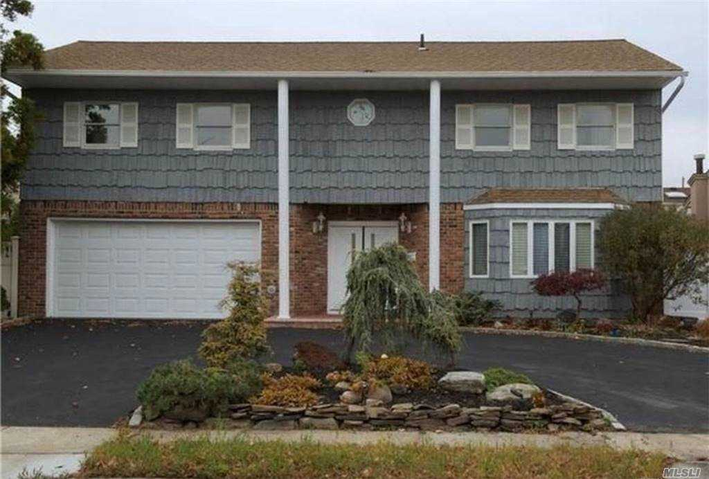 Residential For Sale in 526 Waterview Drive, Cedarhurst, NY ,11516