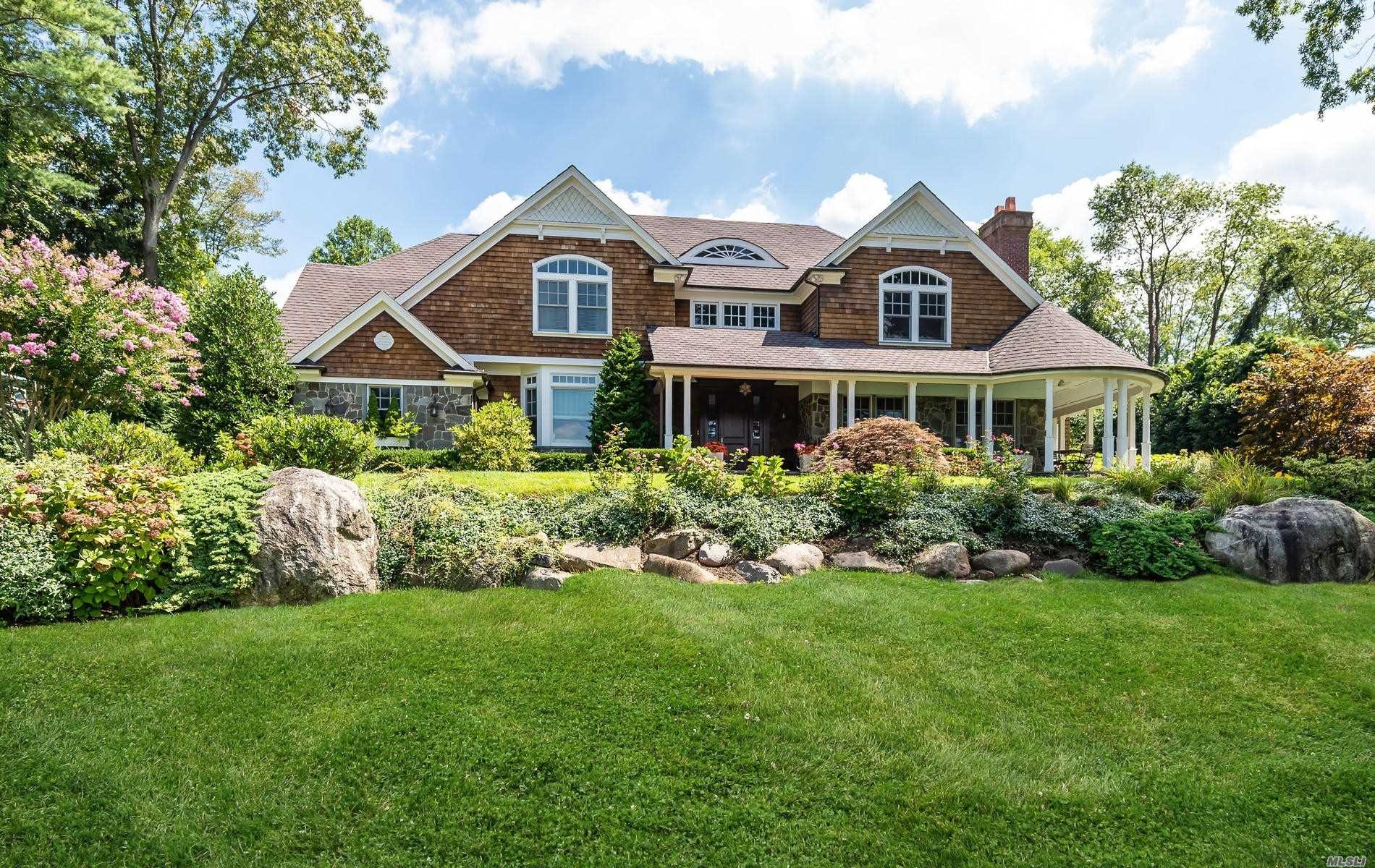 Residential For Sale in 45 Gristmill Lane, Manhasset, NY ,11030