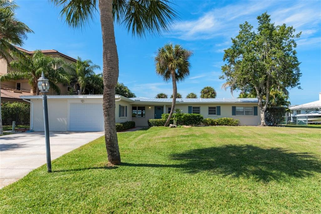 Single Family Home for sale in 8648 Dunmore DRIVE, Sarasota, Florida ,34231