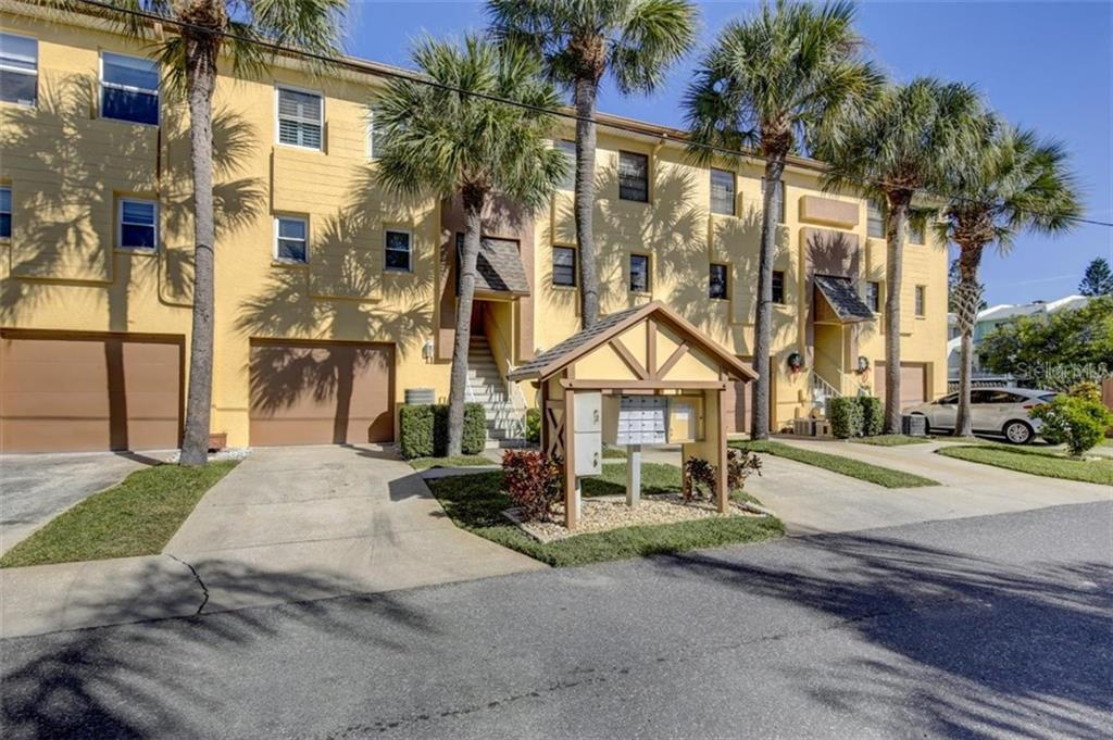 Townhouse/Row House for sale in 314 Windrush BOULEVARD, Indian Rocks Beach, Florida ,33785