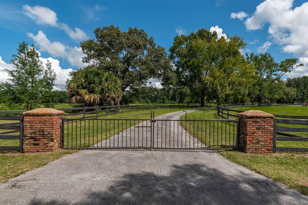 Farms & Ranches for sale in 401 165th STREET, Citra, Florida ,32113