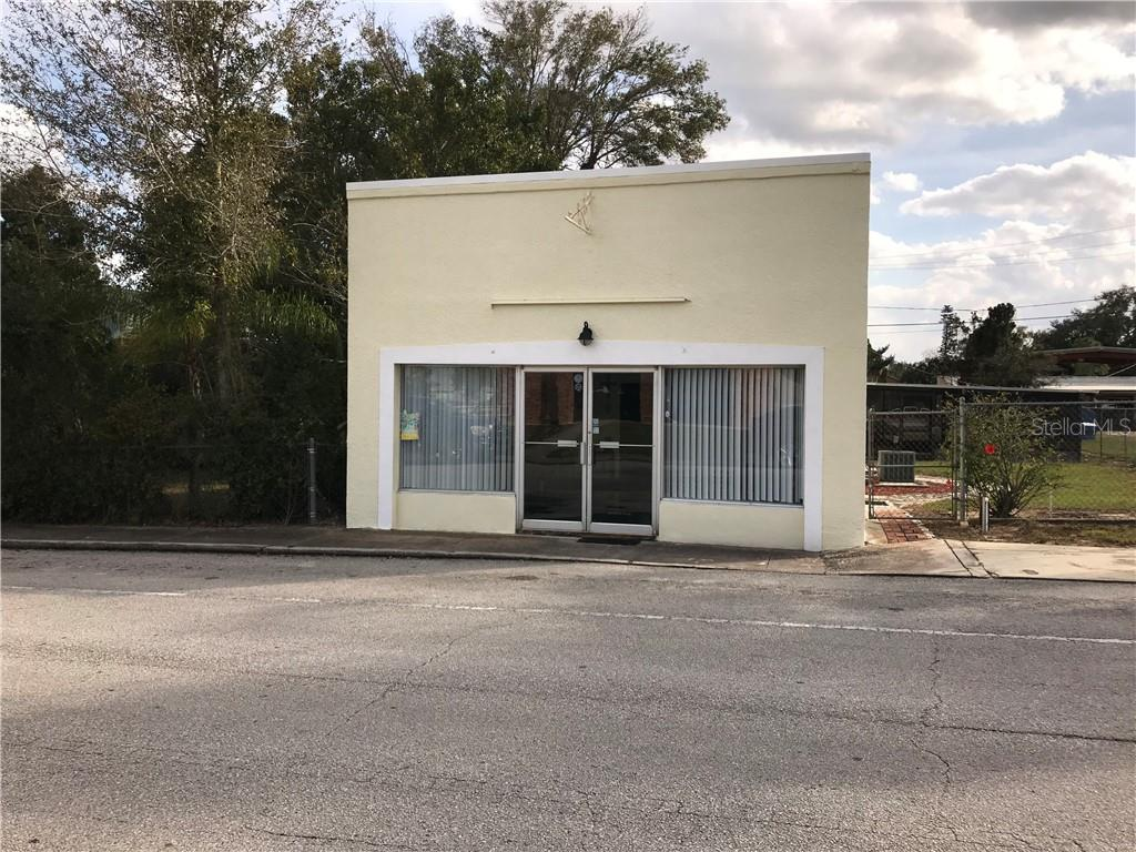 Commercial for sale in 208 Main STREET W, Lake Hamilton, Florida ,33851