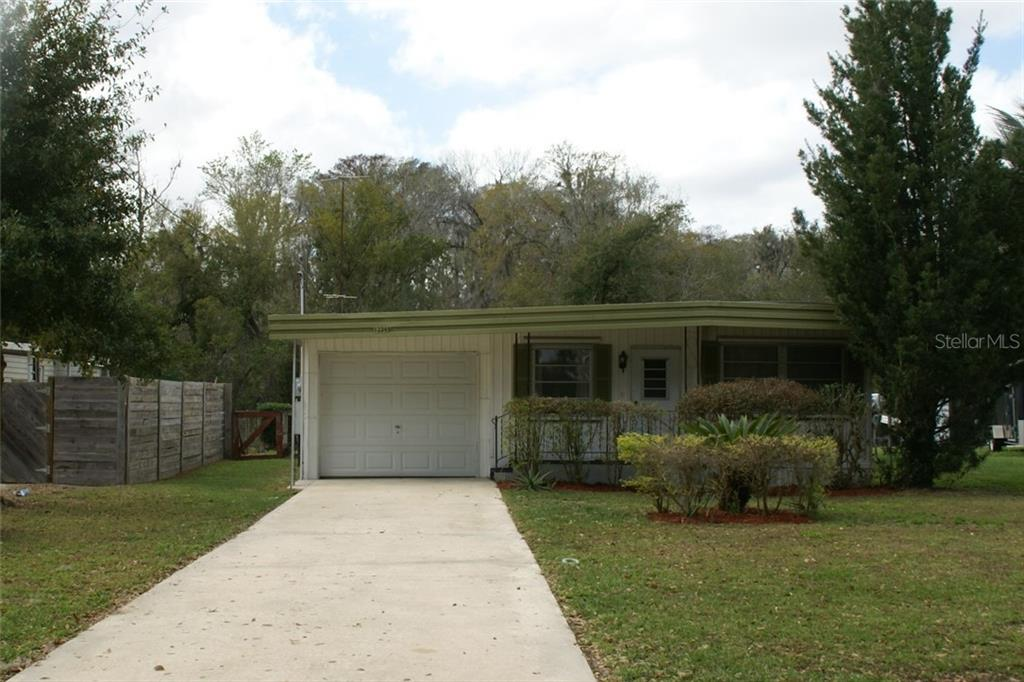 Manufactured/Mobile for sale in 13349 Woodland DRIVE, Astatula, Florida ,34705